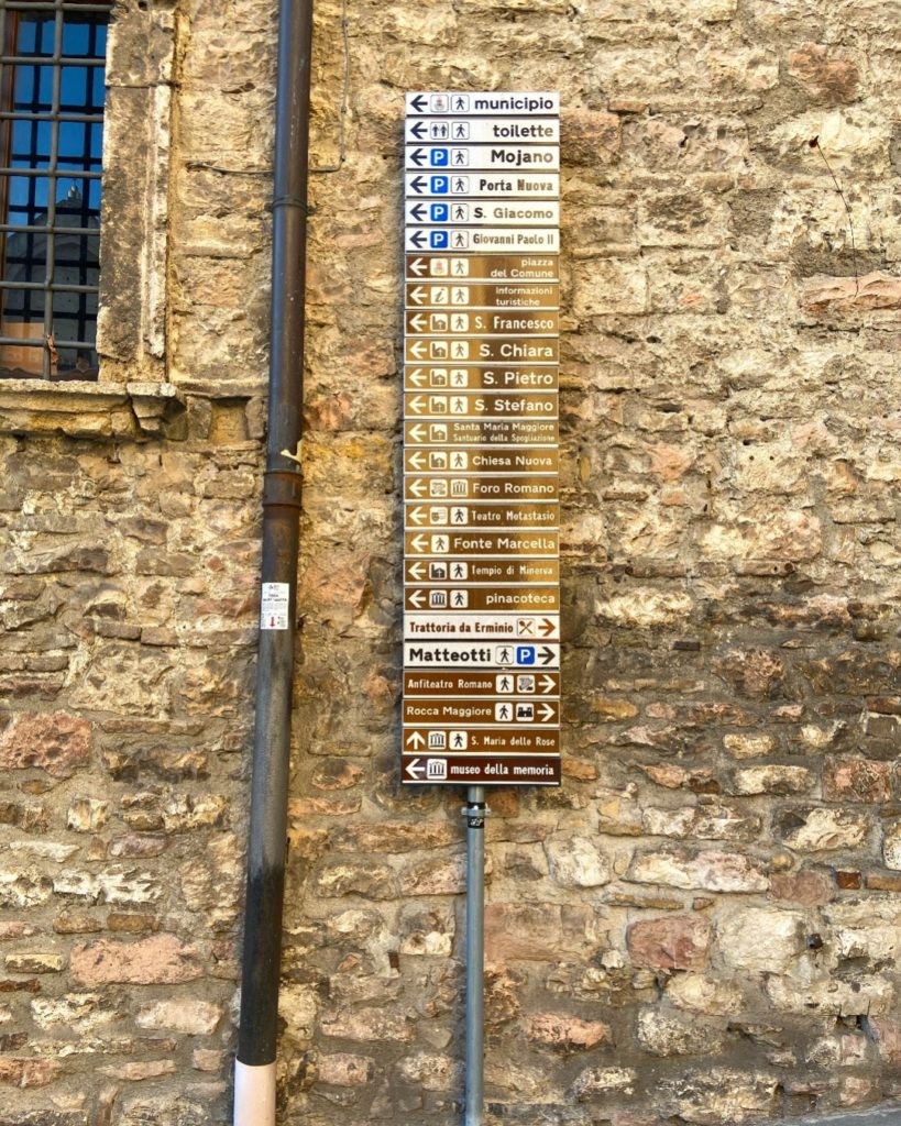 street sign in Assisi
